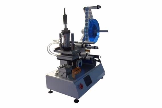 Semi auto flat bottle/flat box labeling machine
